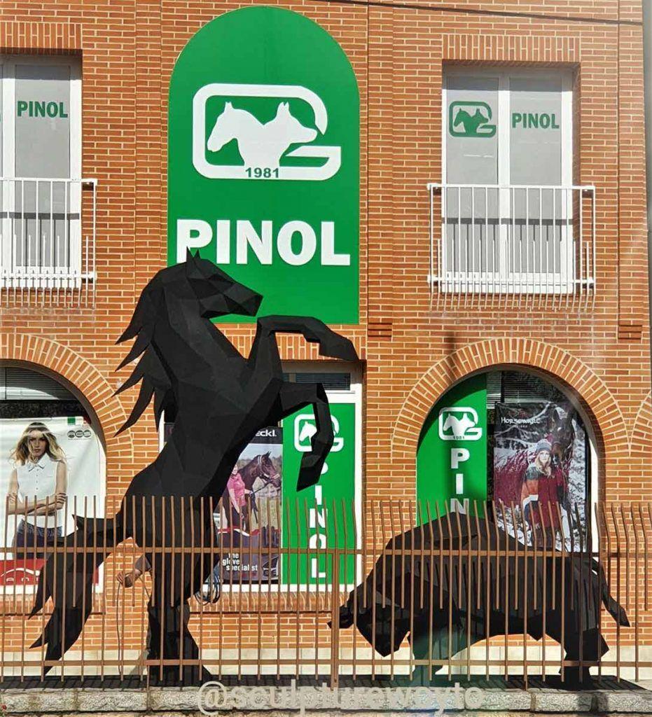 Pinol y Sculpturewoyto se dan la mano galeria3