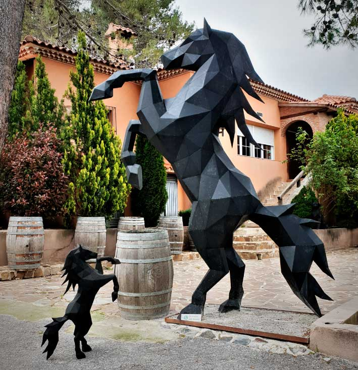 caballo-escultura-acero-sculpturewoyto-corazon-salvaje