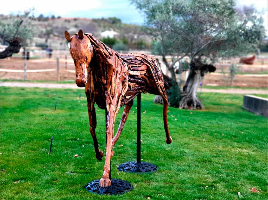 caballo-escultura-madera-sculpturewoyto