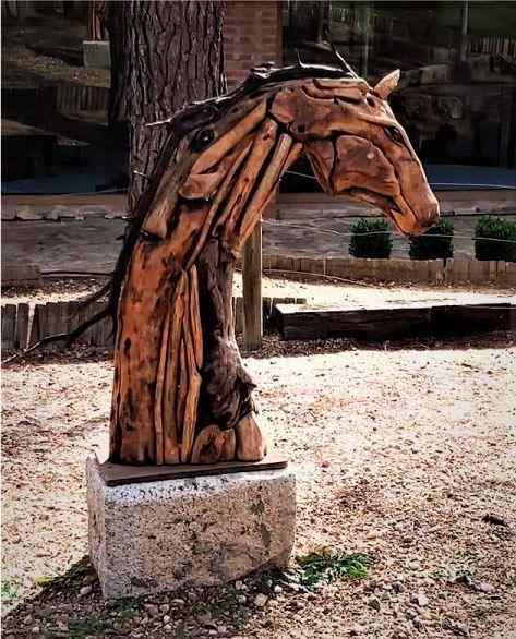 cabeza-caballo-escultura-madera-sculpturewoyto