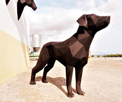 escultura-perro-poligonal-sculpturewoyto-guardian